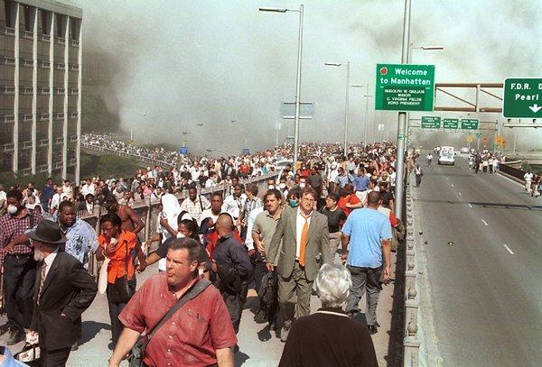 People leaving Manhattan at 9/11.