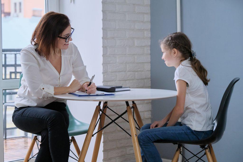 Child tells psychotherapist her experiences, mental health of children